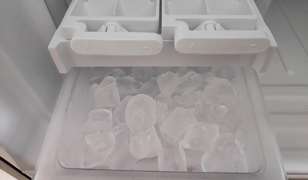 ice from my ge refrigerator smells